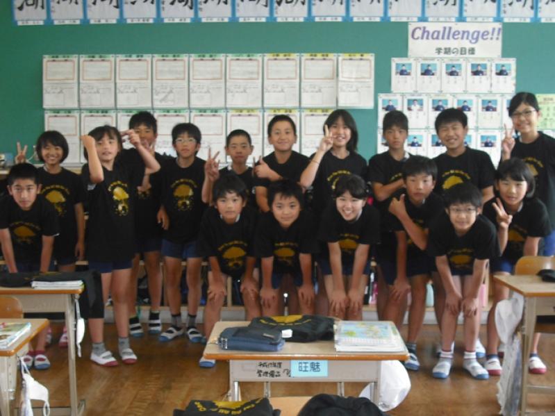 【制作事例】鹿児島県小学校 クラスTシャツ